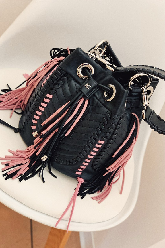 La Carrie - Diana bucket bag with fringes