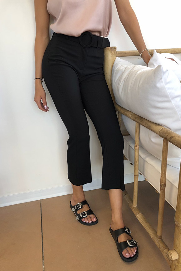 Kontatto - Black mini flare trousers with a high belt