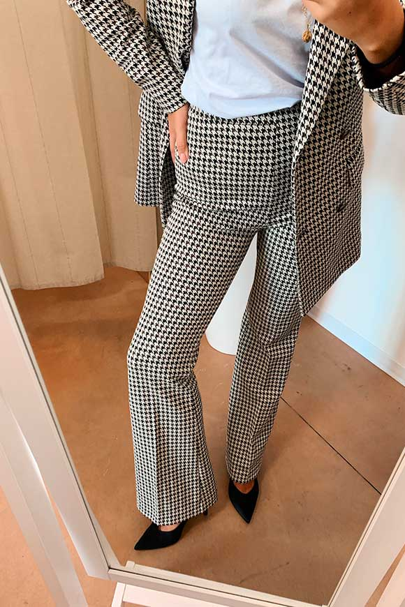 Vicolo - Houndstooth flared trousers