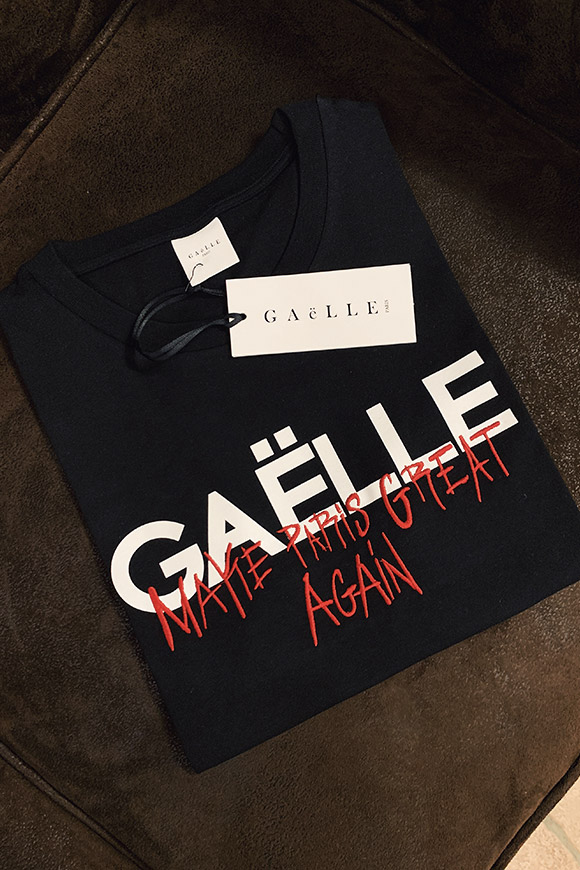 Gaelle - Black t shirt with embroidery
