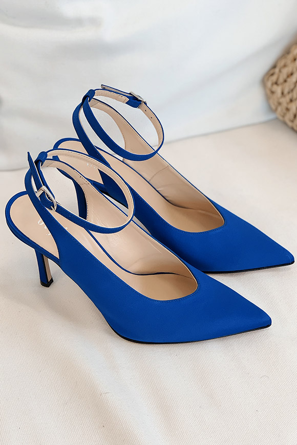 Ovyé - Blue satin pumps