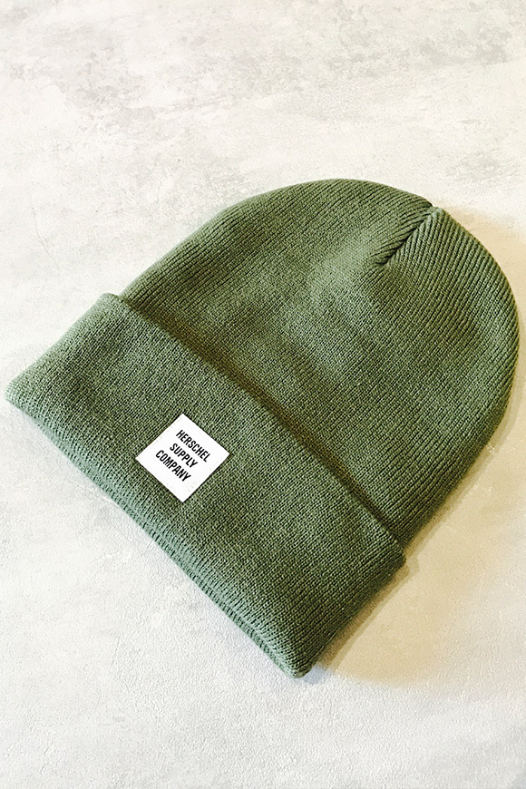 Herschel - Green hat with logo on front