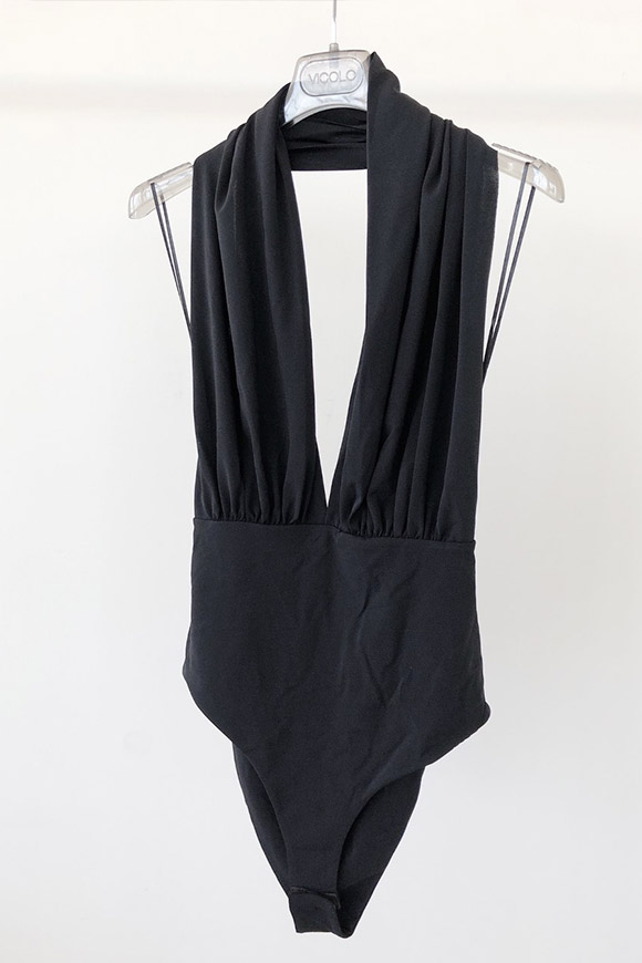 Vicolo - Black body with deep neckline