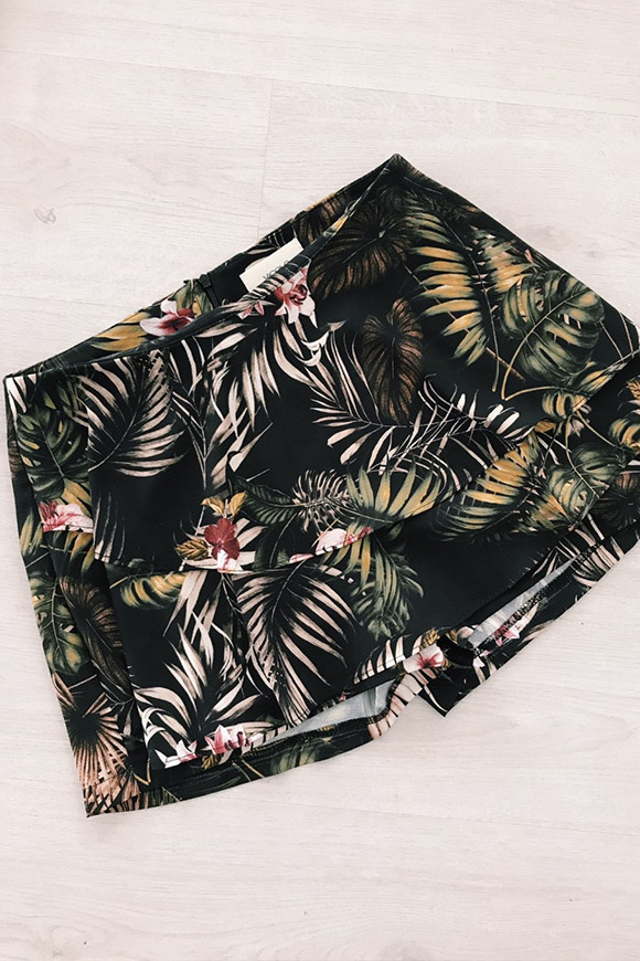 Vicolo - Short skirt with black flowers