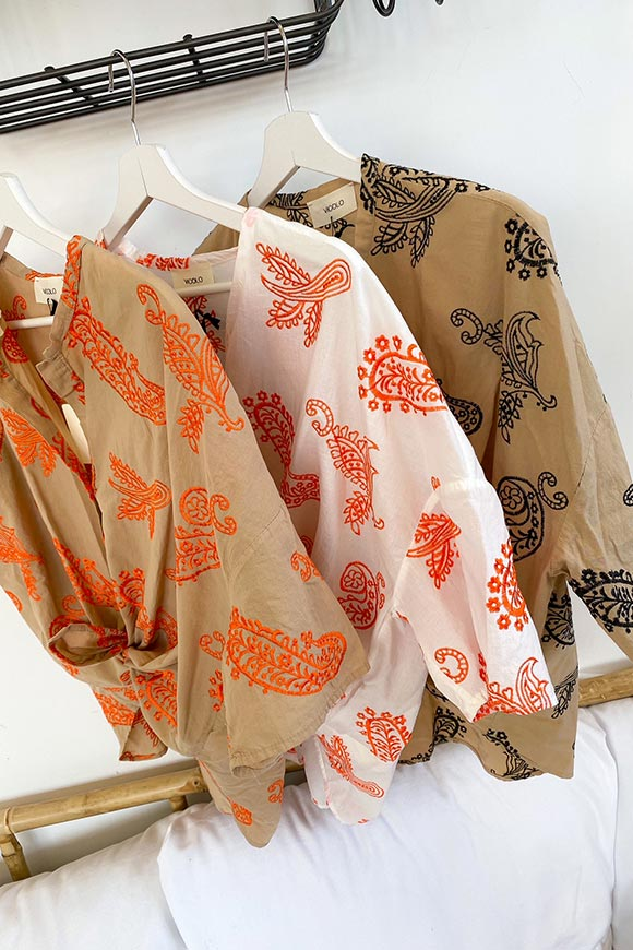 Vicolo - Sand shirt with orange cashmere print embroidery