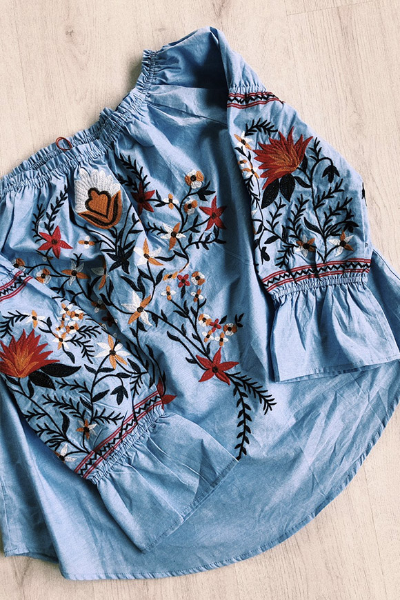 BSB - Blue shirt with colored embroidery