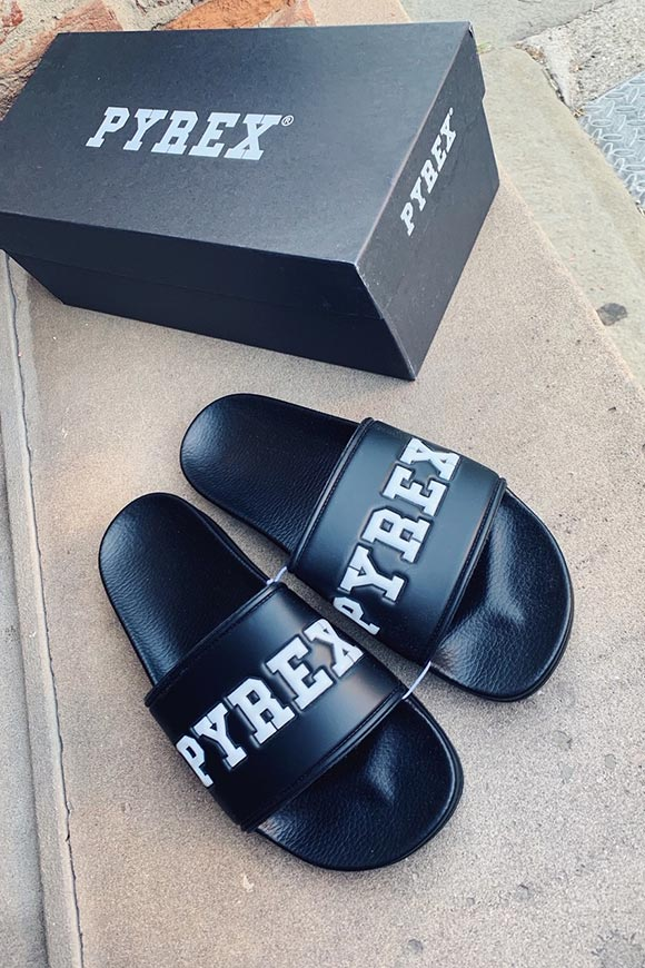 Pyrex - Black band slippers with embossed logo