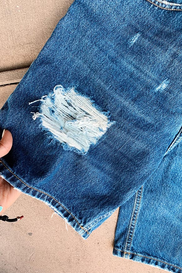 Calibro Shop - Blue denim shorts with breaks