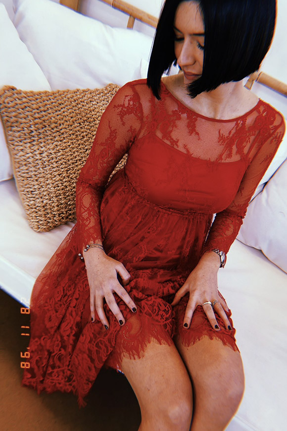 Red midi dress in lace