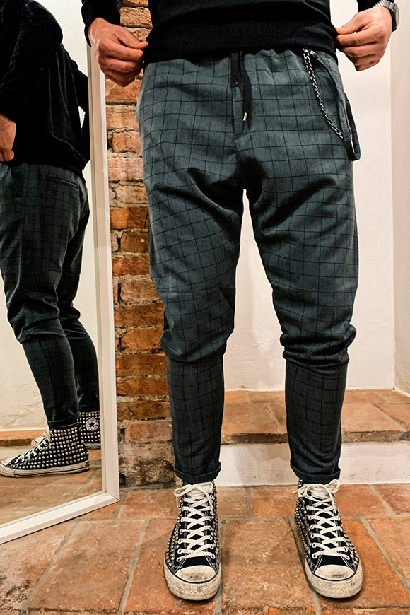 Gianni Lupo - Grey checkered trousers with chain