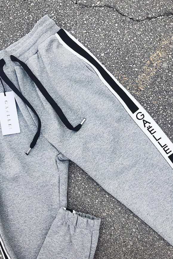Gaelle - Gray tracksuit pants
