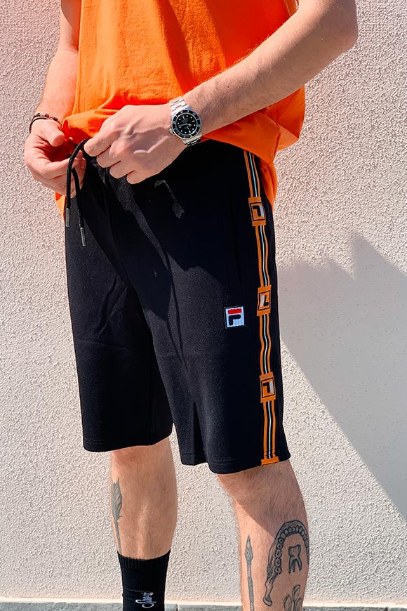 Fila - Black hall bermuda with orange bands