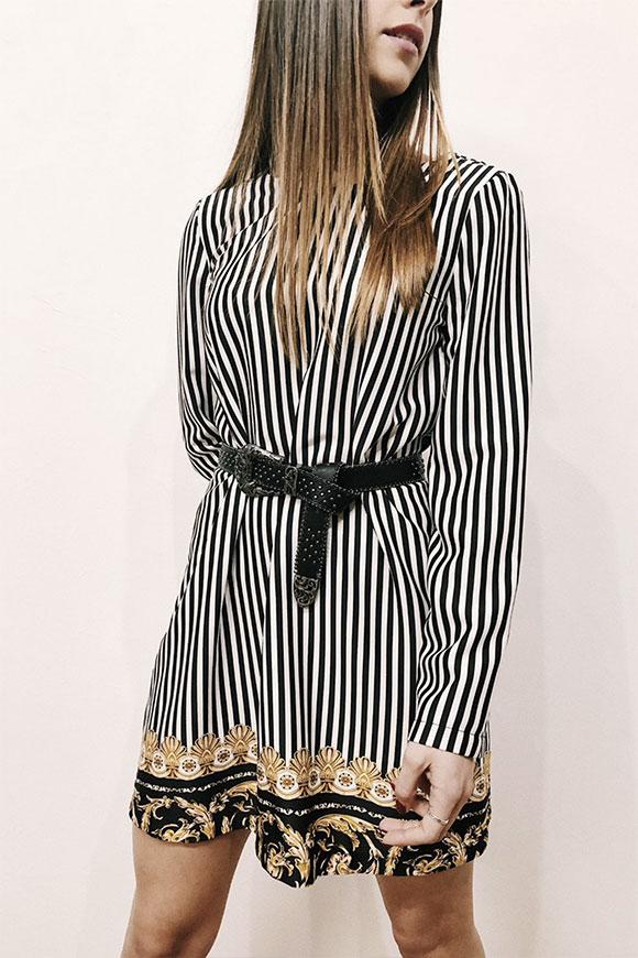 new style 6c000 f5e05 Vestito Versace a righe