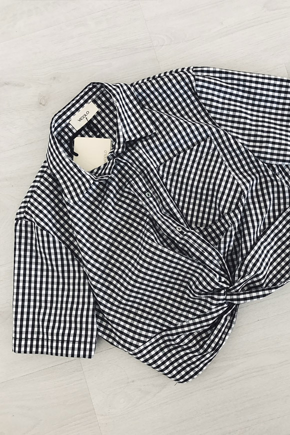 Vicolo - Short white and black checked shirt