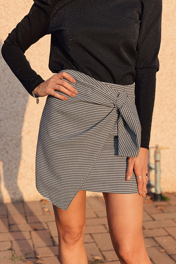 Vicolo - Houndstooth wallet skirt with bow