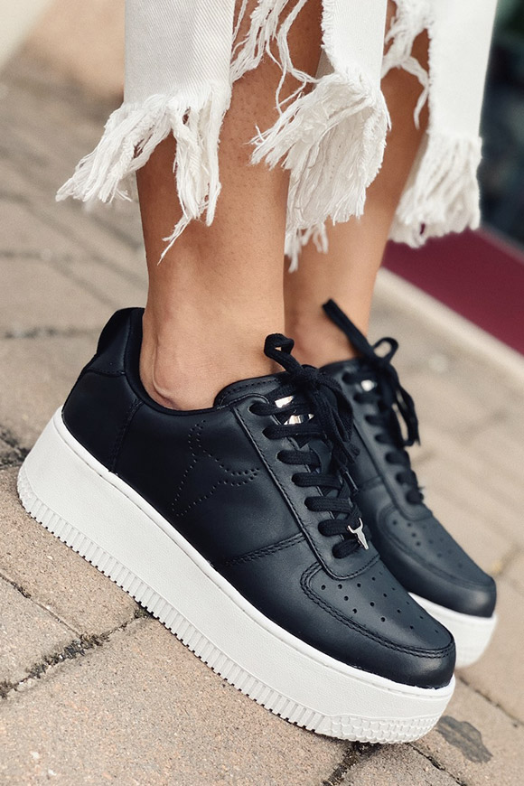 Windsor Smith - Black racerr with white platform
