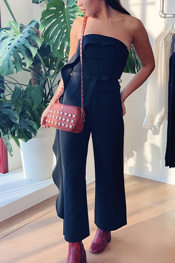 Vicolo - Long black jumpsuit with side ruffle