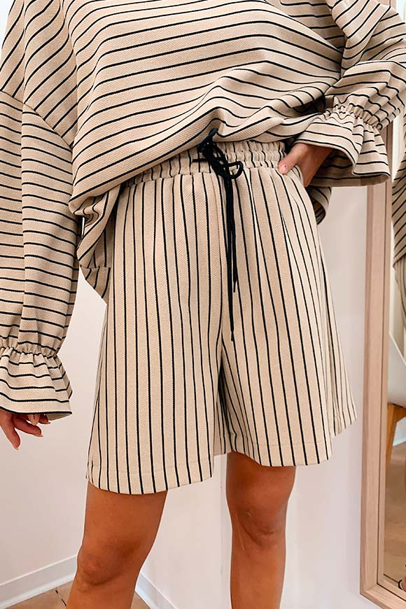 Dixie - Beige shorts with black stripes