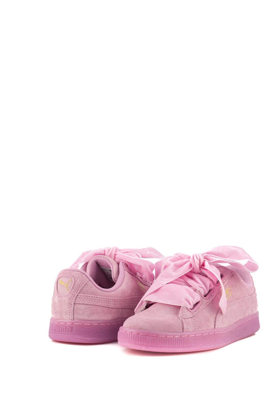 puma con fiocco rosa