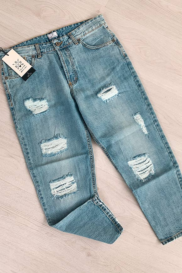 Berna - Light mom fit jeans with breaks