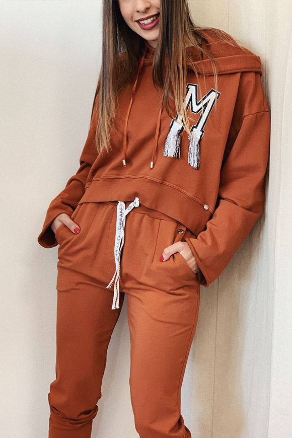 Motel - Hooded sweatshirt with rust embroidery