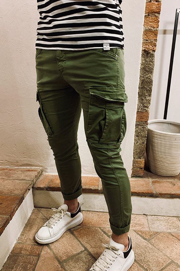 Berna - Green trousers with side pockets
