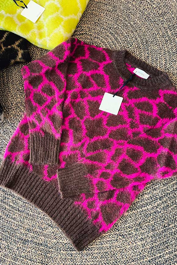 Fuchsia and brown animalier sweater