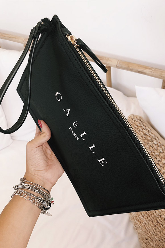 Gaelle - Basic black clutch with logo