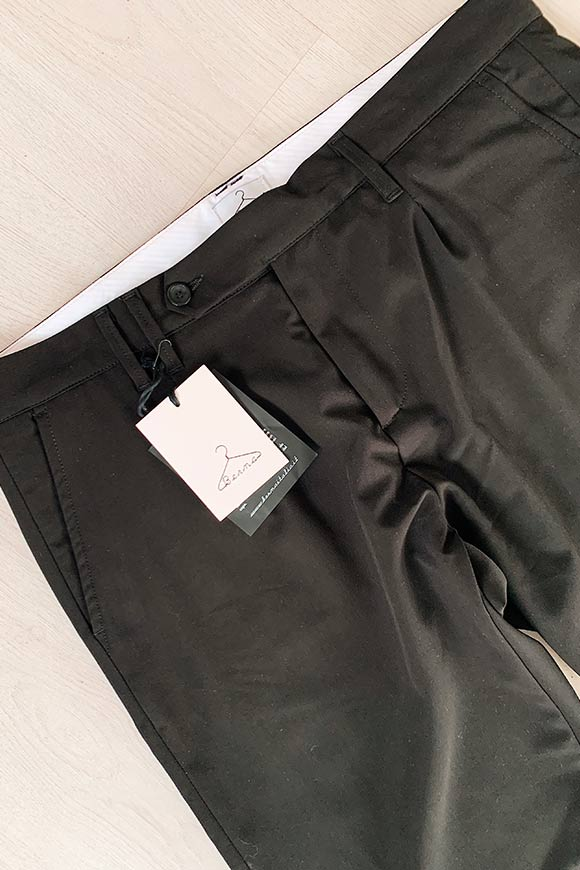 Berna - Black tailored cigarette trousers