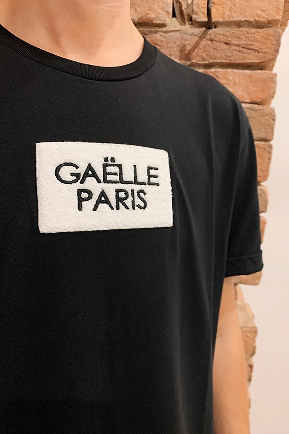 Gaelle - T shirt nera con patch logo