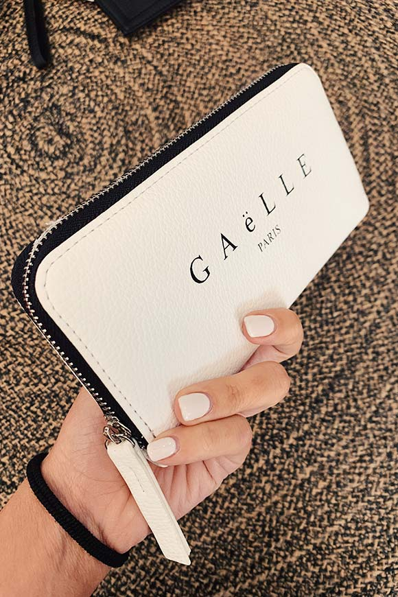 Gaelle - Basic white handbag with logo