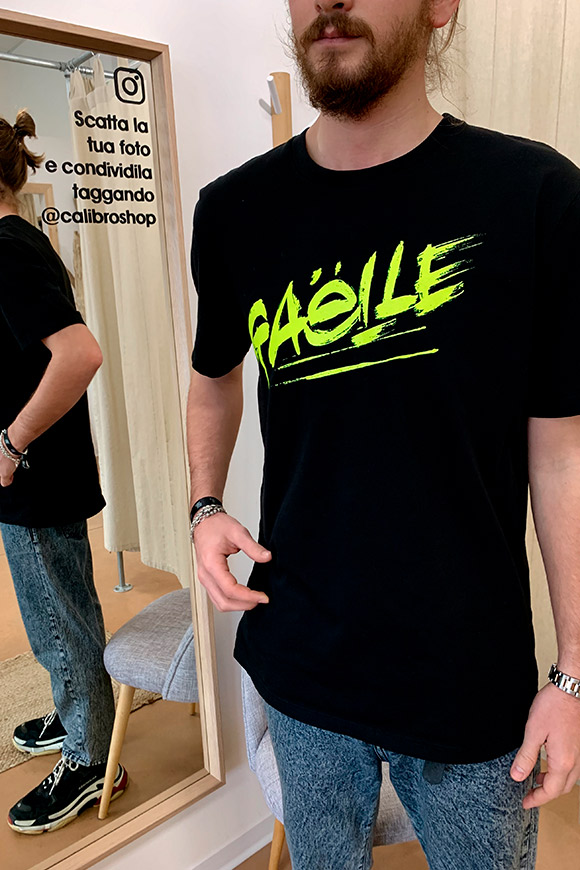 Gaelle - Black T-shirt with fluorescent logo