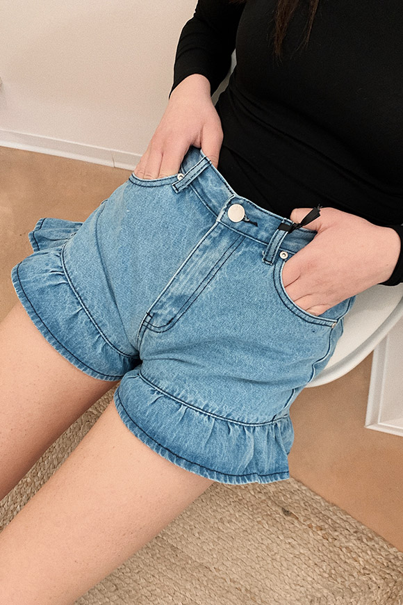 Glamorous - Denim shorts with ruffles