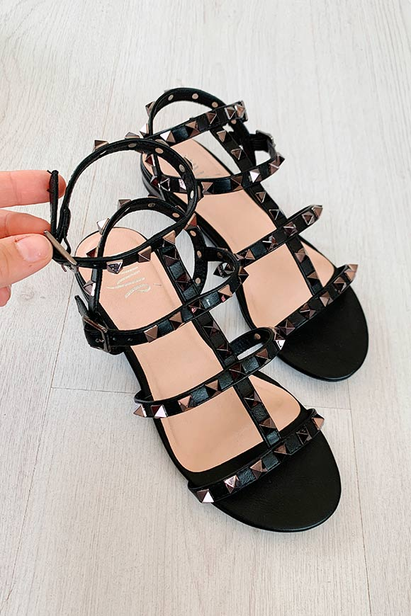 Ovyé - Black sandals with anthracite studs