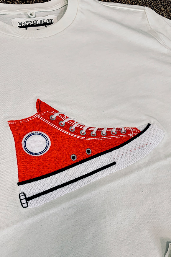 Easy Slip On - T shirt bianca ricamo Converse rossa