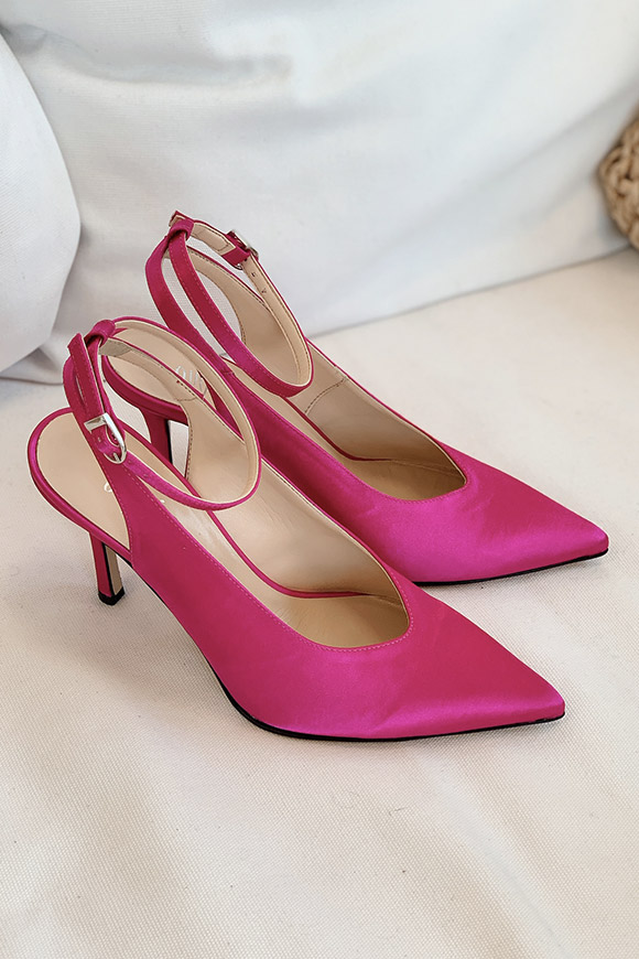 Ovyé - Fuchsia satin pumps