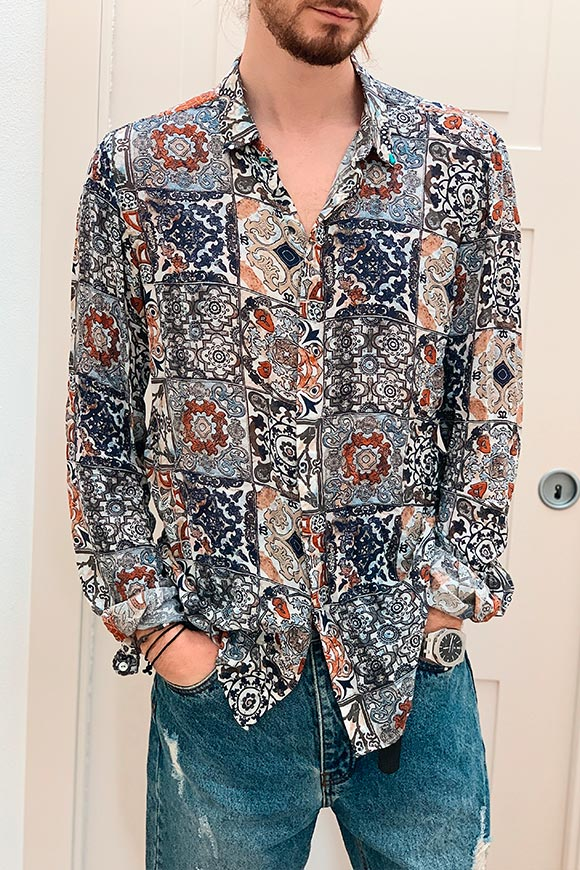 Berna - Beige and blue floral patterned shirt