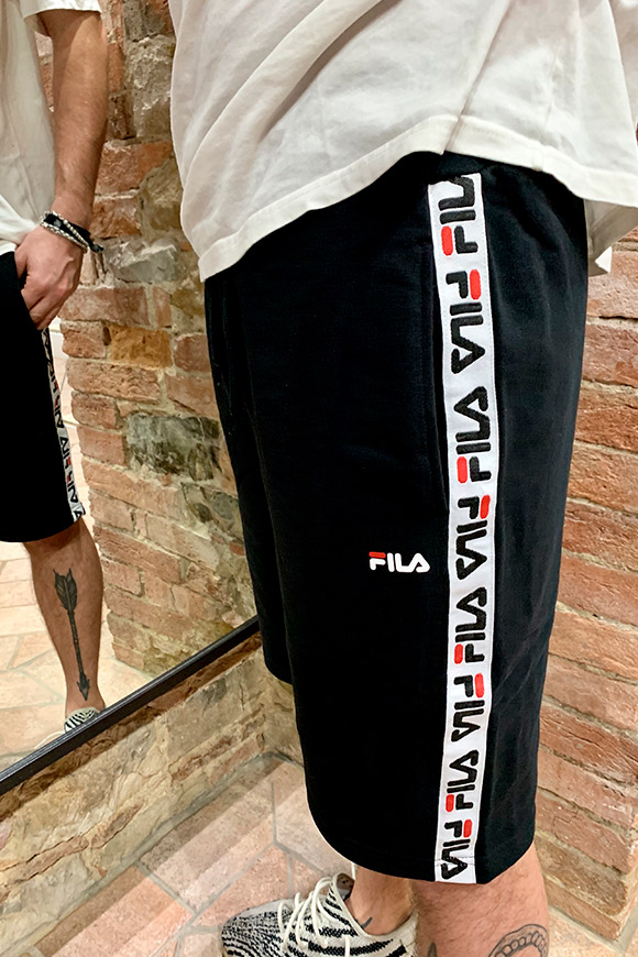 Fila - Black shorts with side bands
