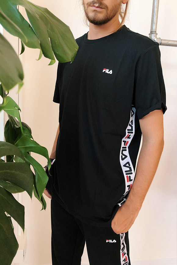 Fila - Black t shirt with side bands and logo