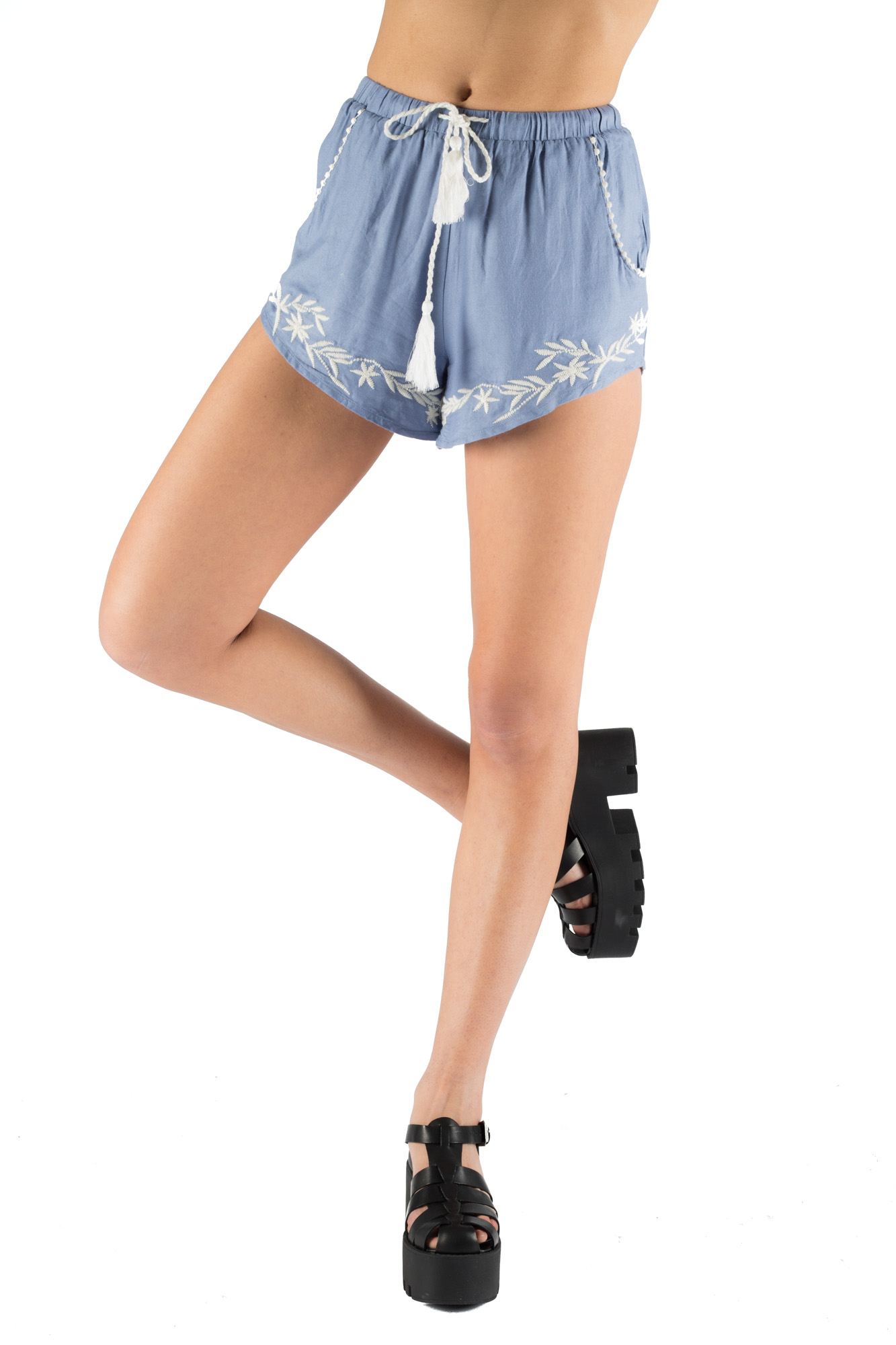 Glamorous - Embroidered shorts