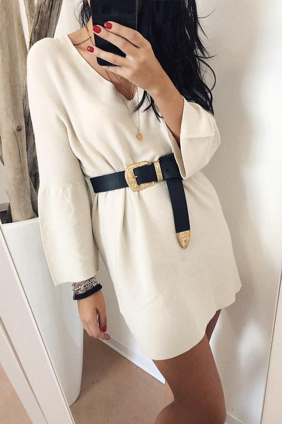 best service e7089 67e4f Vestito bianco in maglia con maniche volant